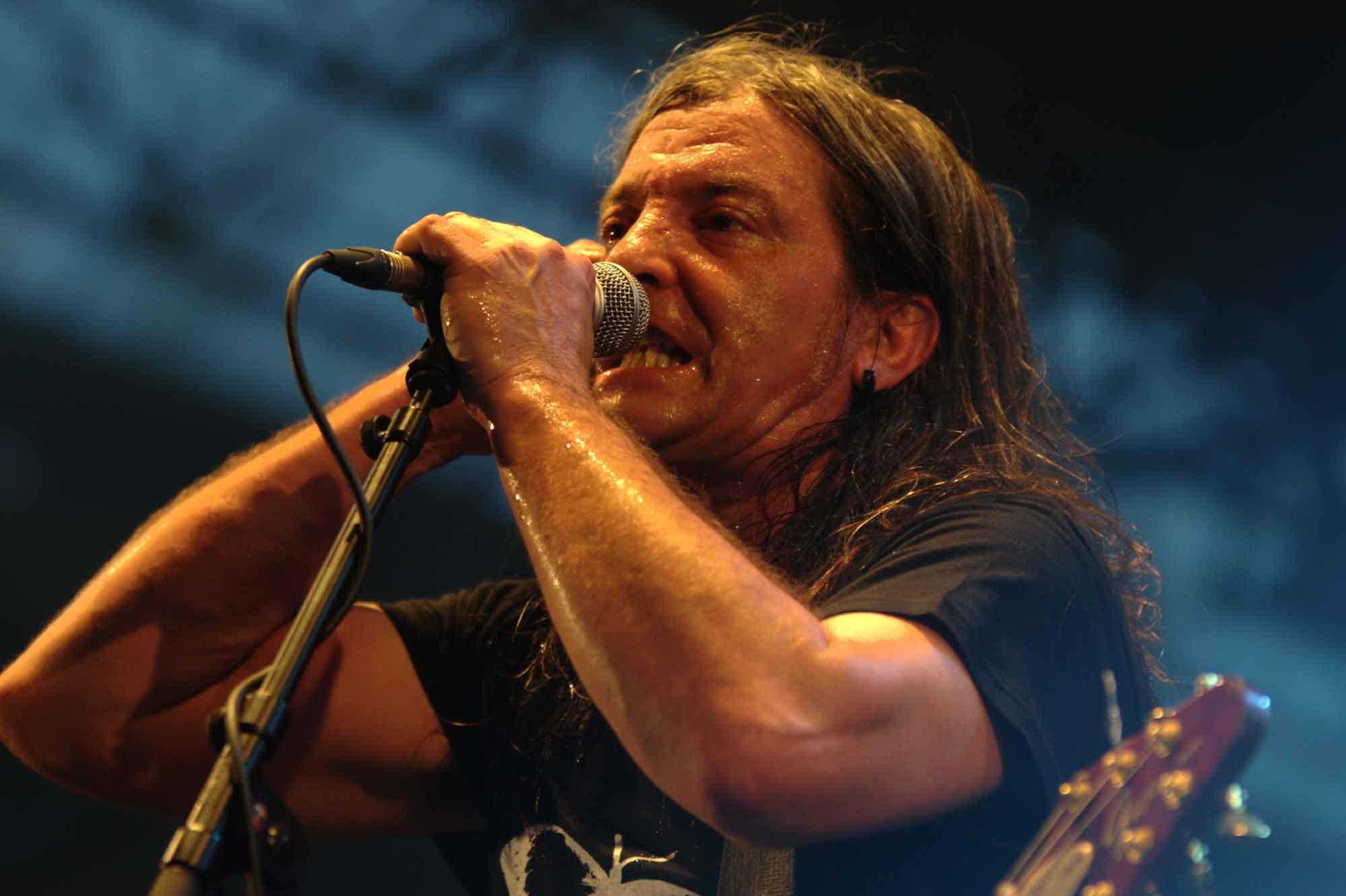 Boni, guitarist of Barricada, dies